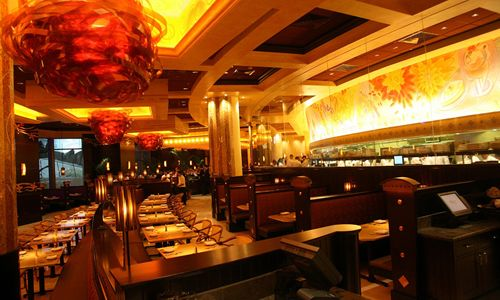 Worlds-Largest-The-Cheesecake-Factory-Now-Open-in-the-Mall-of-the-Emirates